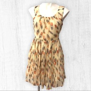 Forever 21. Sleeveless feather design Dress